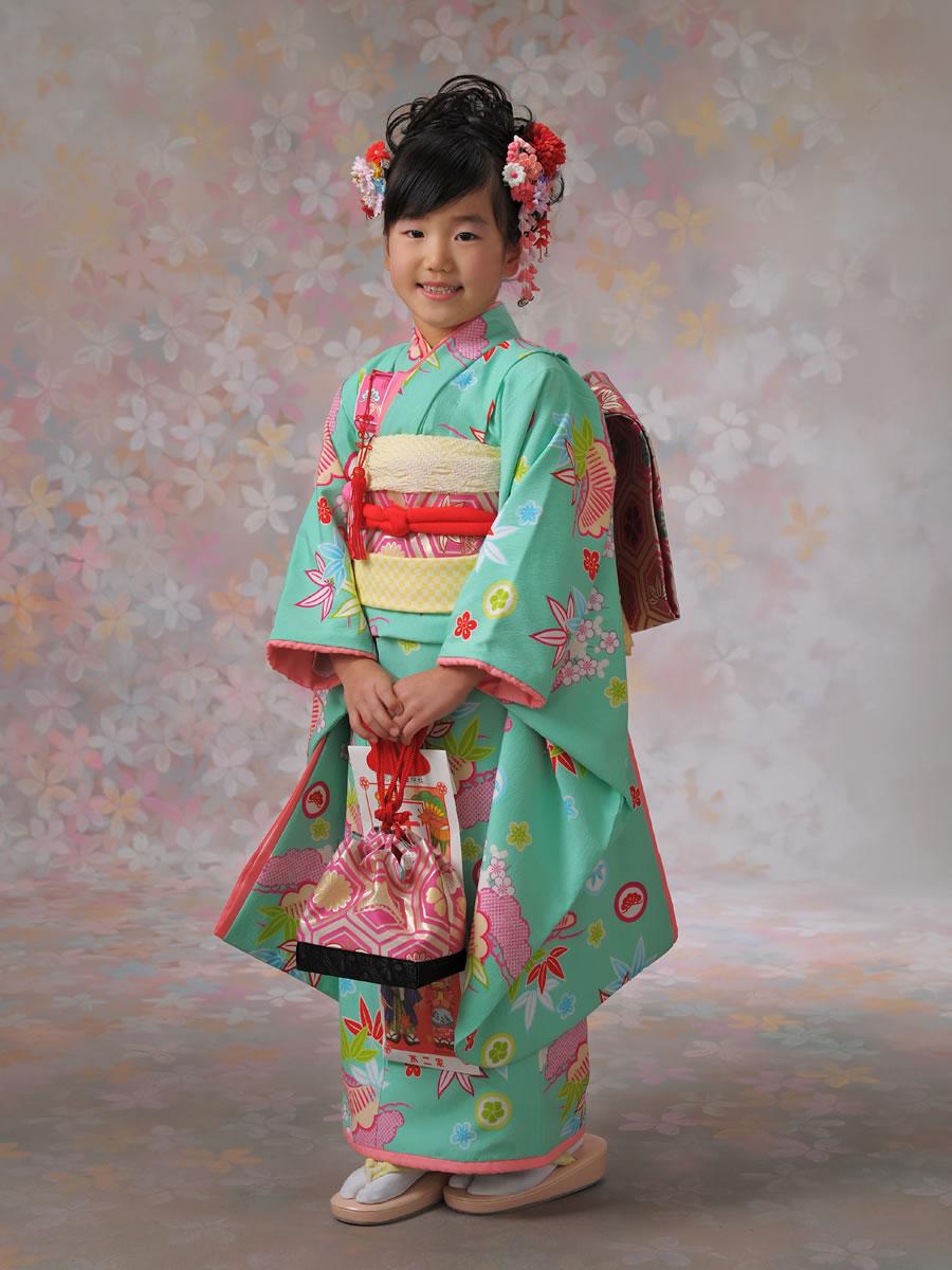 7才女児:着物(益若つばさ)松竹梅