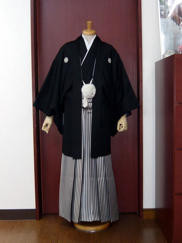 【紋付】黒地文様×【袴】濃紺シルバー