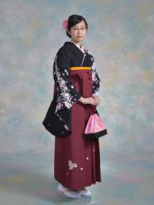 二尺袖008黒地コスモス桜×袴208エンジししゅう入