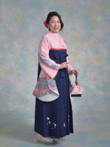 二尺袖042ピンクしぼり×袴211紺桜ちらし