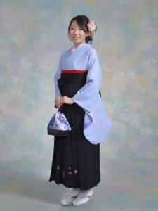二尺袖052ブルー雪輪に桜×袴203黒ししゅう入