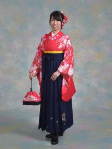 二尺袖112ベッキー赤ダリヤ柄×袴201紺ししゅう入