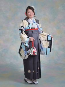 二尺袖129セシル モダンブルーバラ×袴303グレー黒ぼかしししゅう