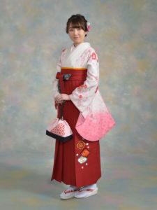 二尺袖094白地ピンク赤小塙×袴541九重赤梅刺しゅう