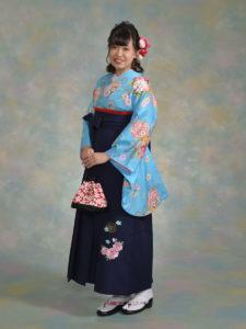 二尺袖099ブルー花まり×袴532紺八重桜